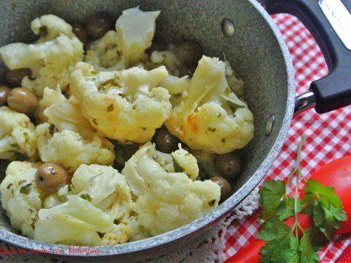 Cavolfiore soffocato con le olive