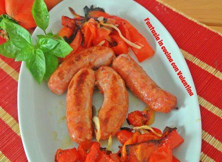 Salsicciotti e peperoni al forno