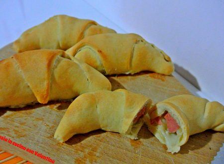 Cornetti-pizza con Wurstel e mozzarella