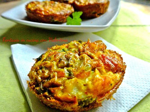 Tortine salate carciofi patate e salmone