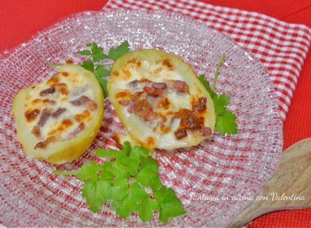 Patate ripiene di formaggio e pancetta affumicata