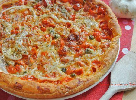 Pizza sfoglia pomodorini e cipolle