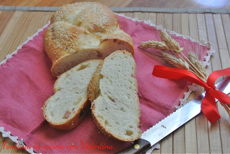 Treccia di pane alla pancetta