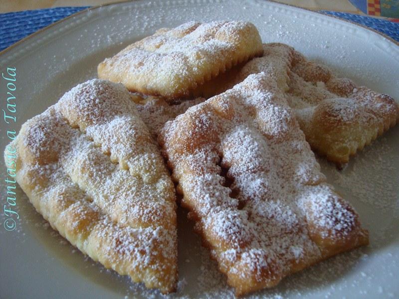 Frappe di carnevale ricetta dolce di Fantasia  a Tavola