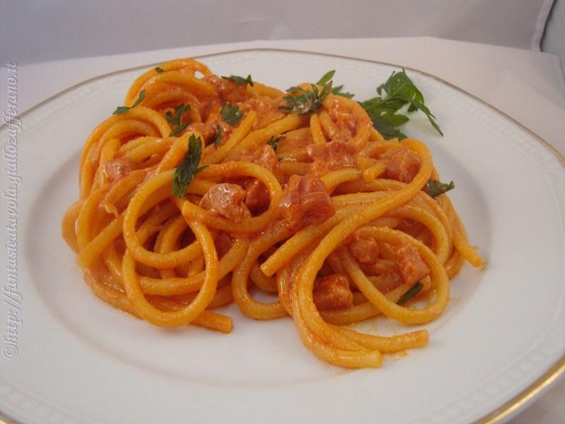 Bigoli al tonno in salsa aurora ricetta semplice di Fantasie a Tavola