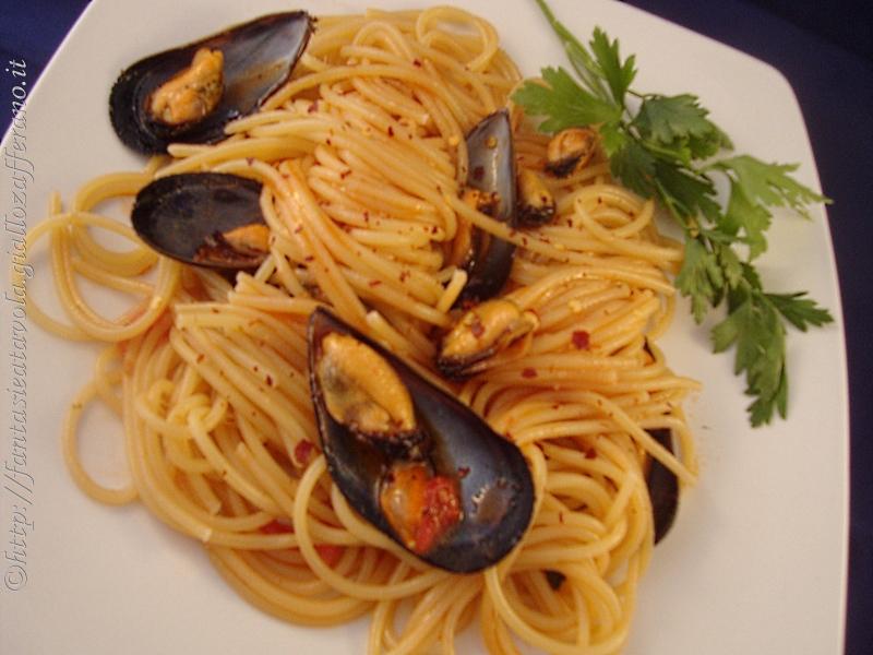 Spaghetti alle cozze ricetta pesce di Fantasie a Tavola