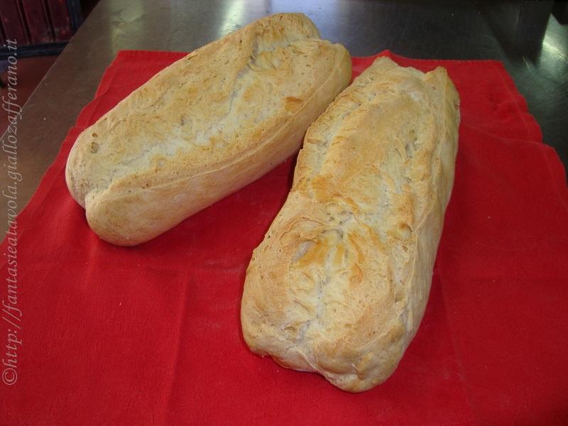 Filone di pane sciapo ricetta semplice di FantasieaTavola