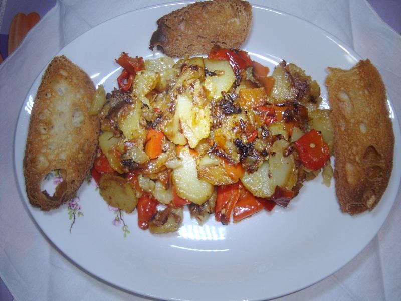 Peperoni e patate ricetta tradizionale di Fantasie a Tavola