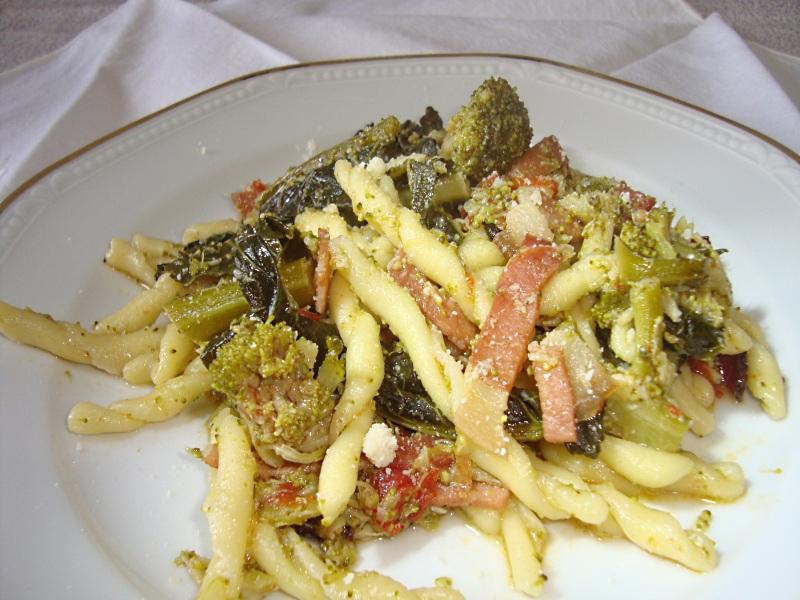 Trofie broccoli e speck di Fantasie a Tavola