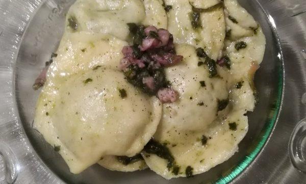 Ravioli con ripieno di ricotta e spinaci