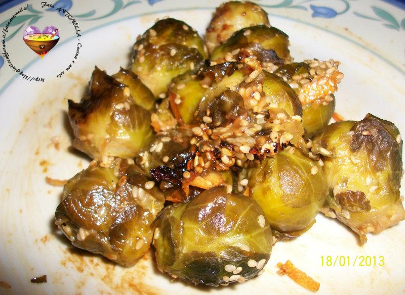 Cavolini di Bruxelles con semi di sesamo ricetta fata antonella