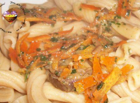 Penne acciughe e arancia, ricetta raffinata