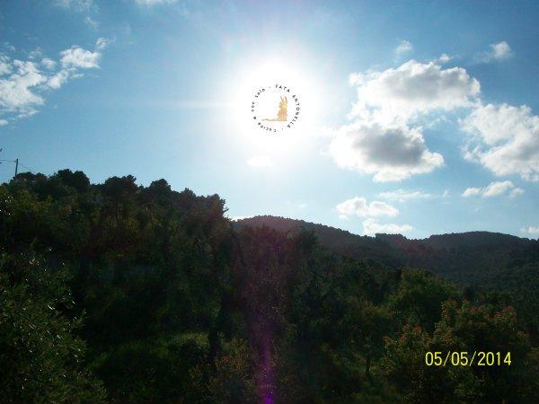 Borgo del Nespolo_le montagne verso l'interno
