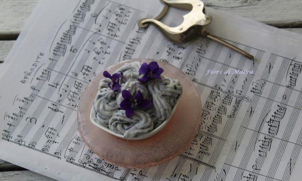 Mousse alla violetta