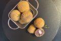 Crocchette di patate viola con cuore di bufala
