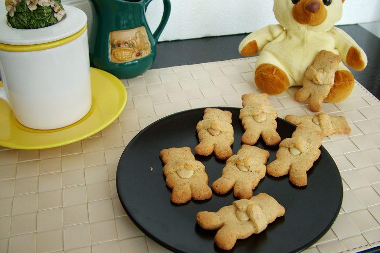 Biscotti orsetti alle mandorle