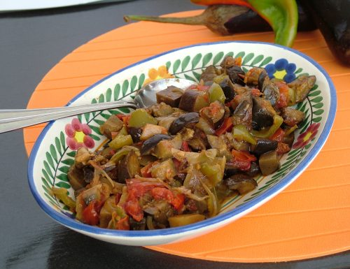 Mesakkaa (piatto egiziano a base di melanzane) *