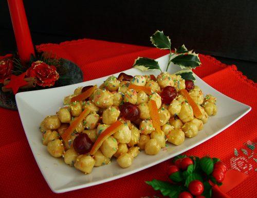 Struffoli – Dolce di Natale tipico napoletano