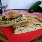 Torta salata con zucchine e ricotta di capra