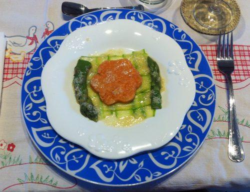 Tartare di salmone con asparagi e citronette al sesamo