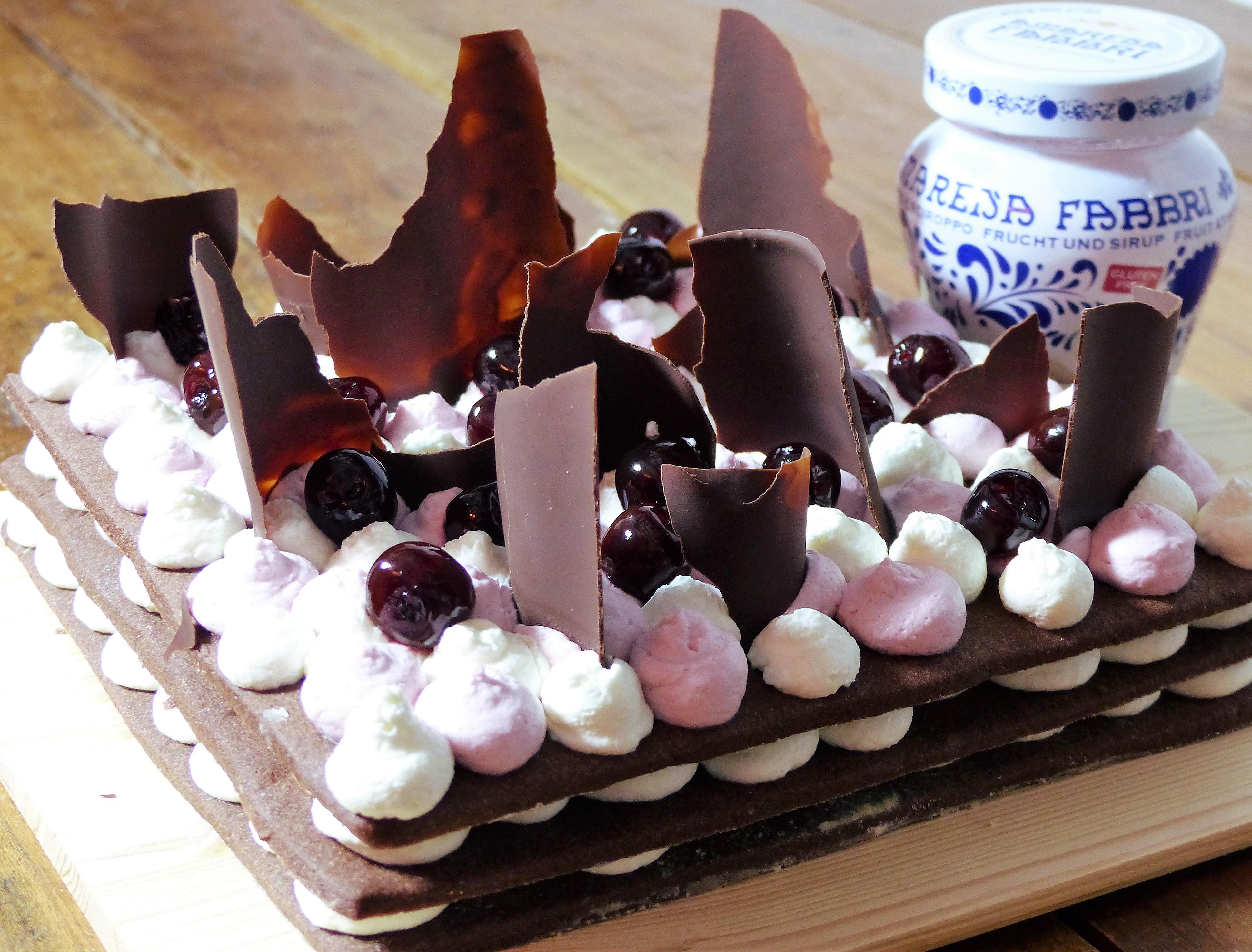 Cream tart con amarene sciroppate