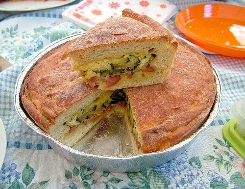Torta salata di zucchine e mortadella