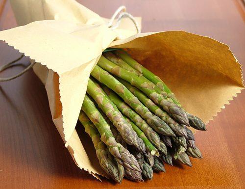 Conosciamo gli alimenti: gli asparagi