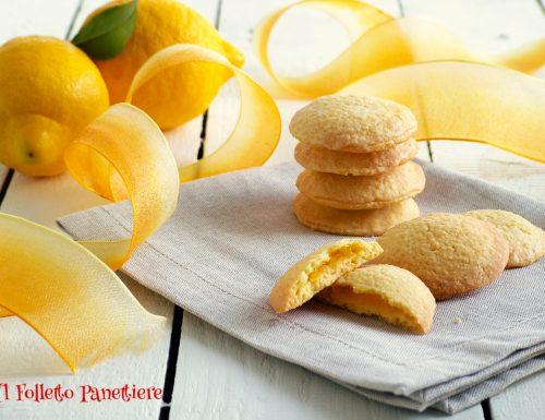 Biscotti ripieni di crema al limone