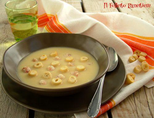 Crema di sedano rapa con chicche di lardo e crostini