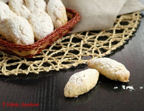 Ossi di morto – dolcetti tradizionali piemontesi per la festa dei defunti