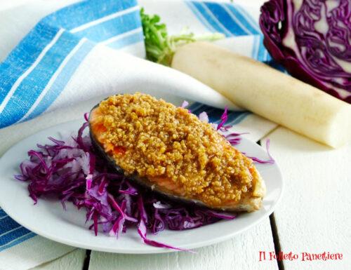 Salmone al sesamo e nocciole con insalata di cavolo viola e daikon