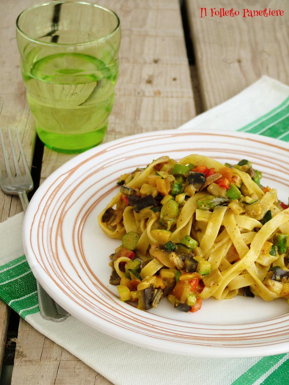 tagliatelle con verdure e crema di pistacchio