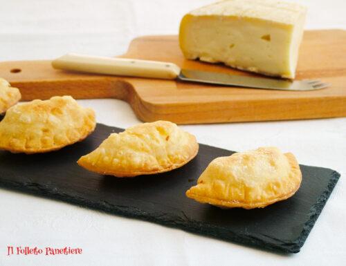 Frittelle al formaggio – ricetta sfiziosa per l'aperitivo
