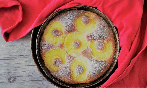 Torta all'ananas soffice