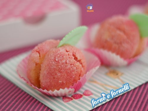 Pesche dolci alla crema