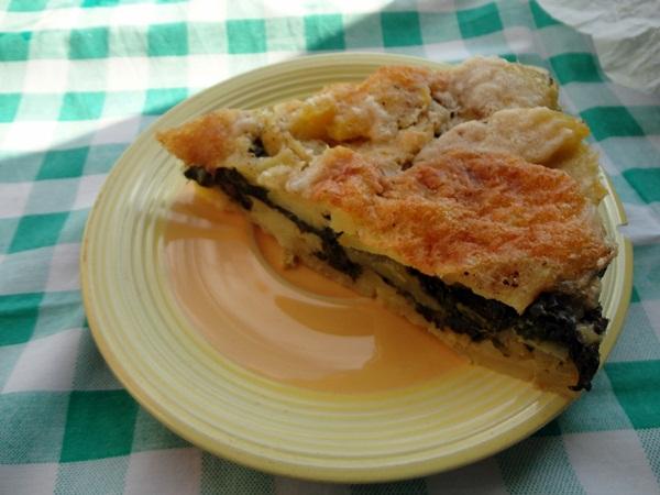 Tortino di patate con spinaci, prosciutto cotto e mozzarella, ricetta piatto unico