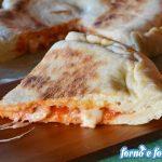 Focaccia pomodoro mozzarella in padella