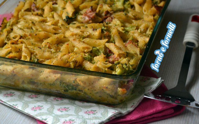 Pasta al forno con broccoli e speck