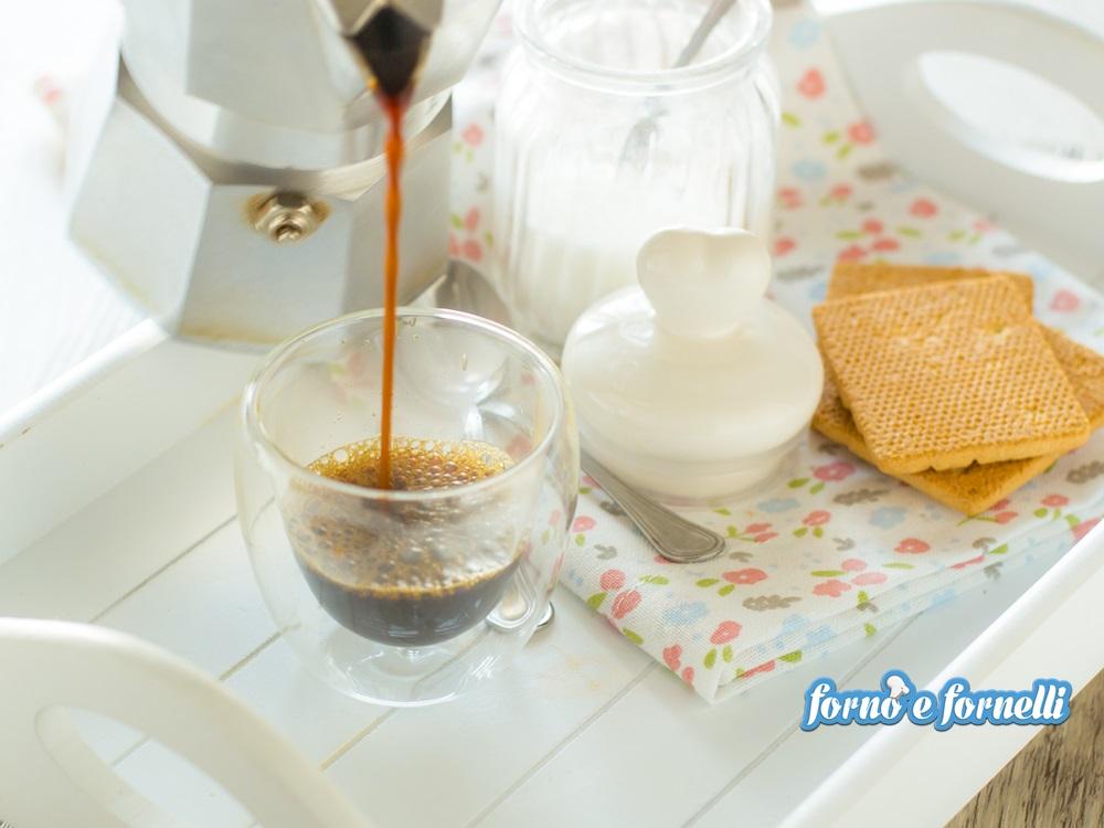 Come fare un buon caff con la moka consigli e suggerimenti for Come costruire una piccola casa a buon mercato