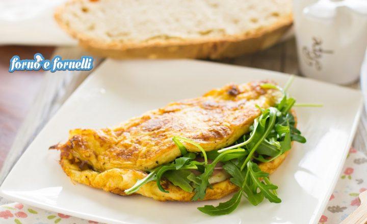 Omelette al prosciutto con formaggi e rucola
