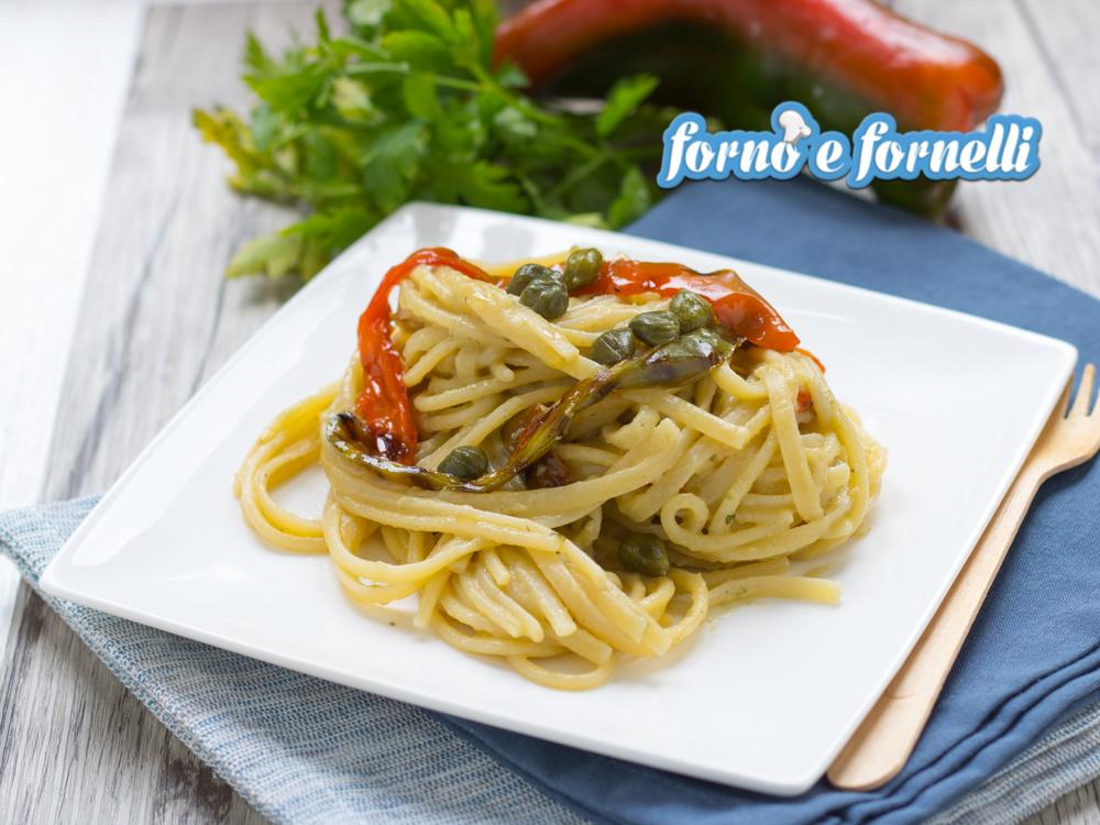 Pasta con crema di melanzane e peperoni arrostiti (2)
