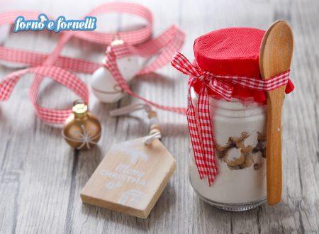Biscotti alle nocciole nel barattolo, idea per Natale