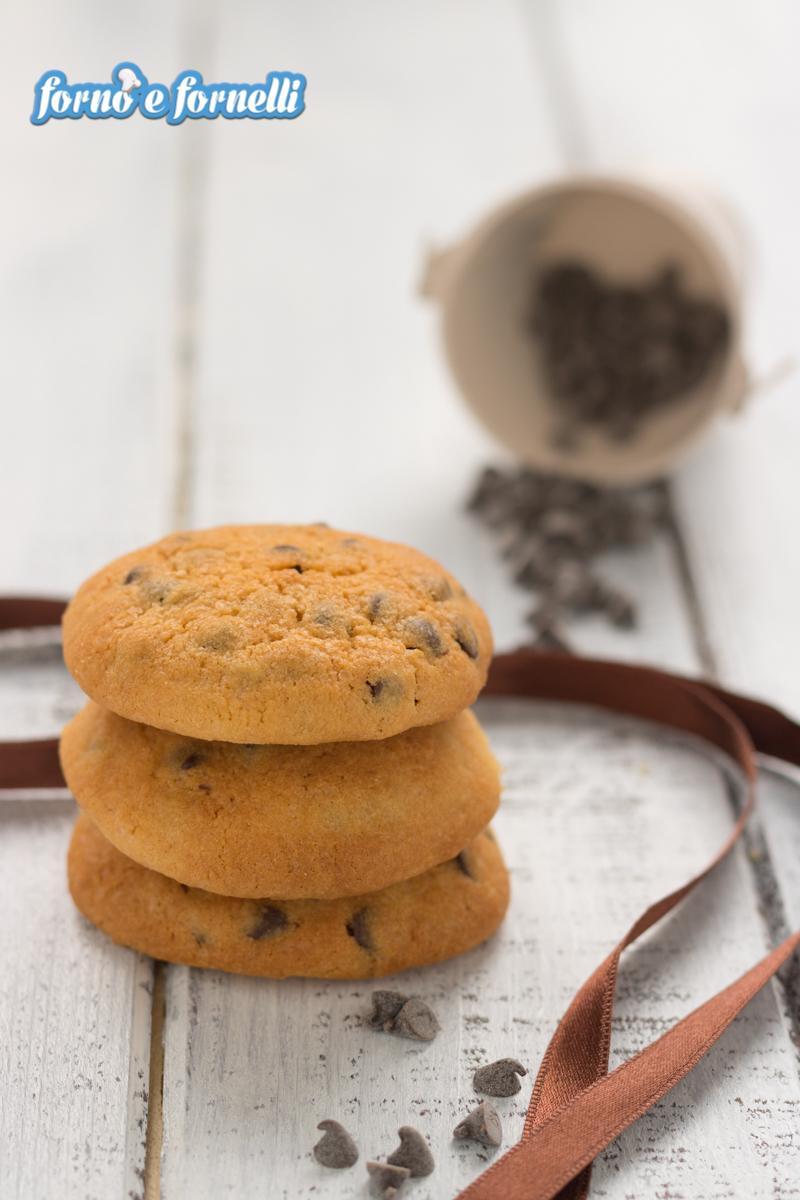Biscotti con gocce di cioccolato fondente (1)