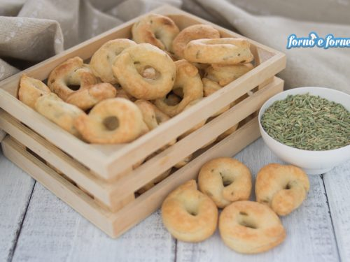 Taralli pugliesi ricetta tradizionale