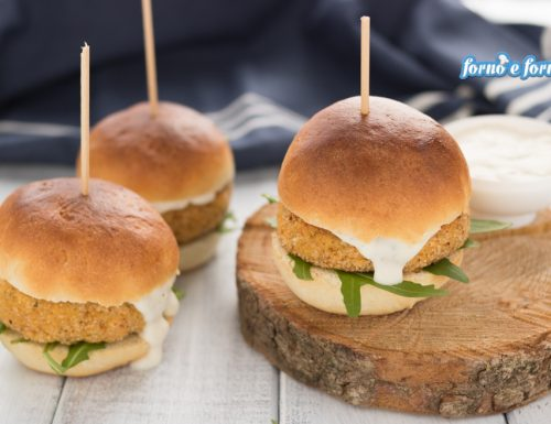 Burger di salmone semplice e gustoso