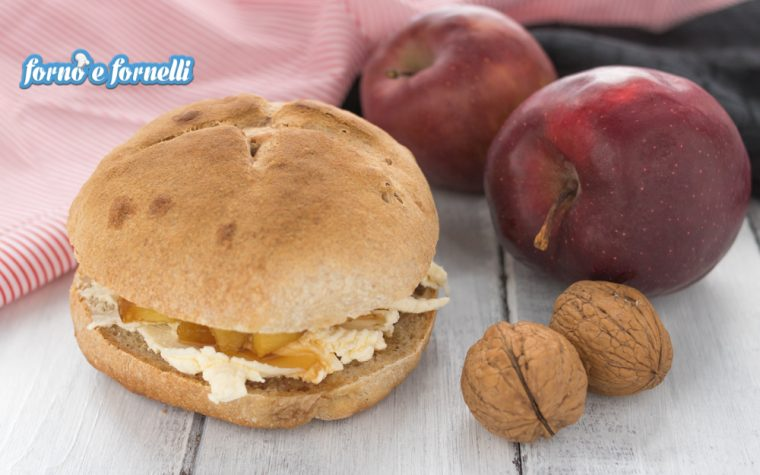 Panino dolce alle mele