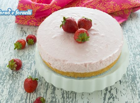 Cheesecake alle fragole, una torta mousse soffice