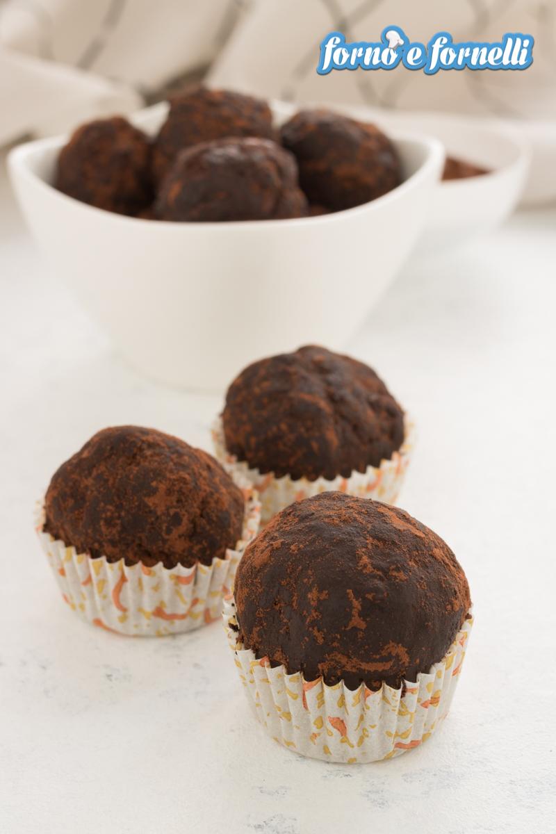 tartufi al cioccolato con wafer