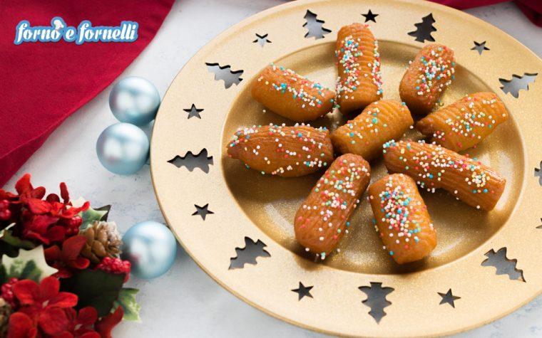 Turdilli, dolci tipici natalizi, detti anche canariculi