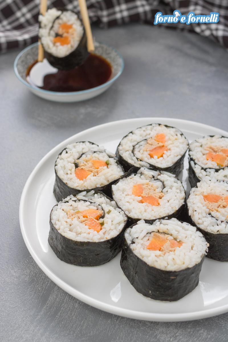 Come fare il sushi a casa ricetta facilitata e italianizzata - Come fare il cappotto alla casa ...